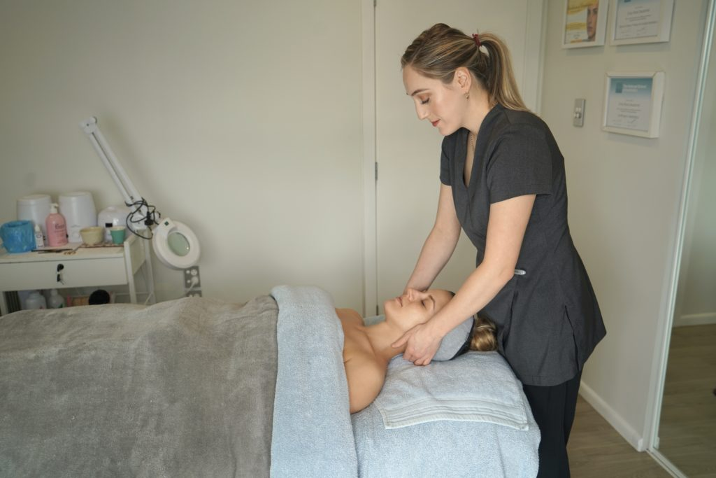 Beauty therapist cashmere